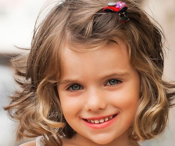 Best-Short-Haircuts-for-Little-Girls-with-Curly-Hair