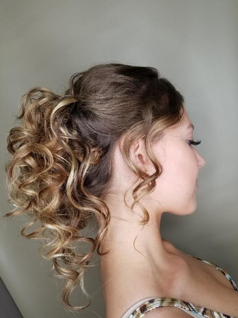 Curly hair at hairstyle Inn saskatoon